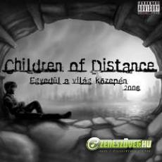 Children of Distance Egyedül a világ közepén